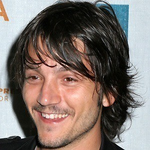 Diego Luna 4 of 10