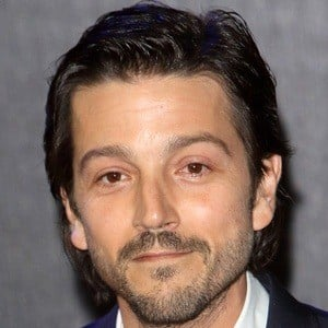 Diego Luna 8 of 10