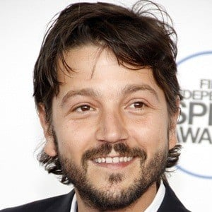Diego Luna 9 of 10