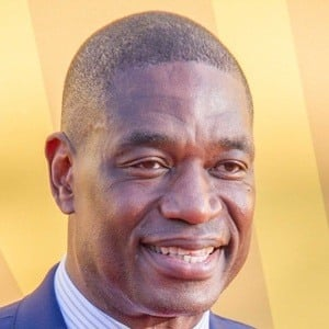 Dikembe Mutombo 5 of 7