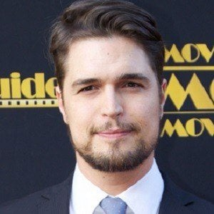 Diogo Morgado 3 of 8