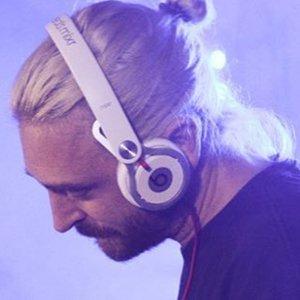 DJ Fresh 4 of 6