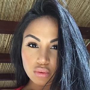Dolly Castro 4 of 9