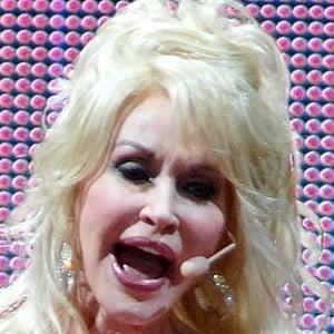 Dolly Parton 9 of 10