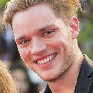 Dominic Sherwood 3 of 10