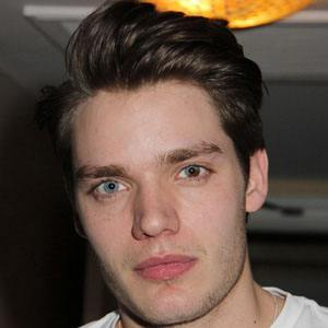 Dominic Sherwood 8 of 10