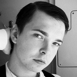 Dominik Lupicki Headshot 9 of 10