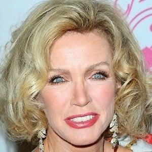Donna Mills age