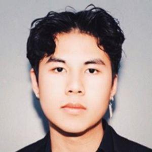 Donnoven Nguyen 2 of 7