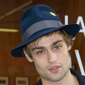 Douglas Booth 6 of 10