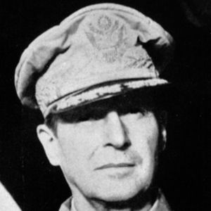 Douglas MacArthur 3 of 4