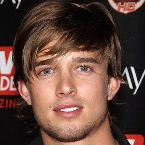 Drew Van Acker 4 of 8