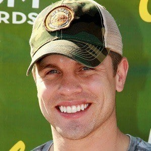 Dustin Lynch 5 of 9