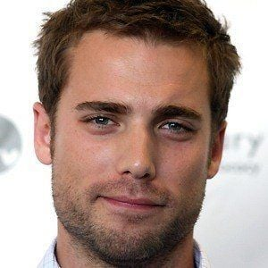 Dustin Milligan 5 of 10