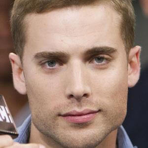 Dustin Milligan 6 of 10
