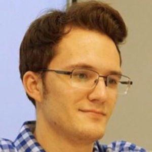 Dustin Poynter 2 of 6