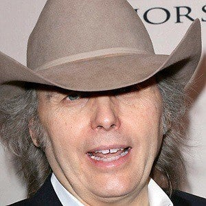 Dwight Yoakam 2 of 9