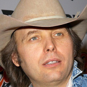 Dwight Yoakam 5 of 9