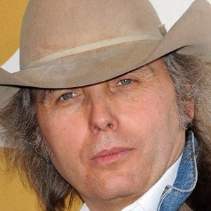 Dwight Yoakam 6 of 9