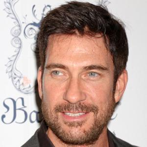 Dylan McDermott 6 of 10