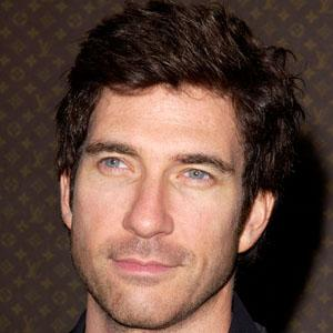 Dylan McDermott 8 of 10