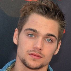 Dylan Sprayberry 3 of 8