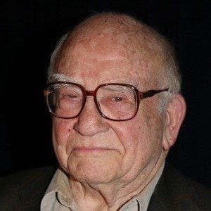 Ed Asner 4 of 10