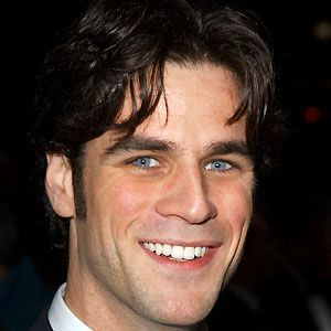 Eddie Cahill 3 of 5