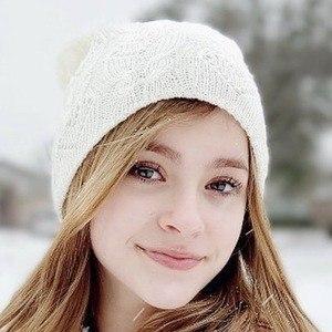 Eden Grace Headshot 6 of 10