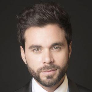 Eduardo Amer 2 of 3