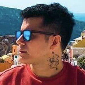 Eduardo Florez Headshot 5 of 10