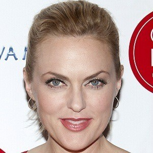 Elaine Hendrix 2 of 5