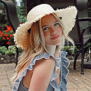 Elanna Pecherle 4 of 6
