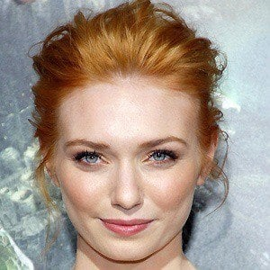 Eleanor Tomlinson 2 of 7