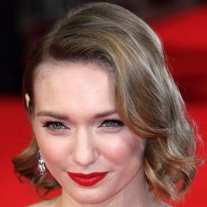 Eleanor Tomlinson 6 of 7