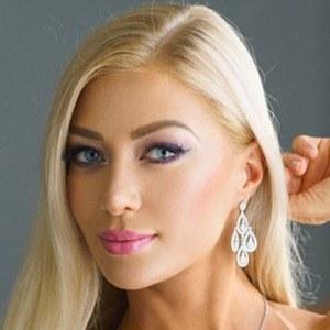 Elena Romanova 3 of 5
