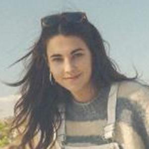 Elena Taber Headshot 6 of 10