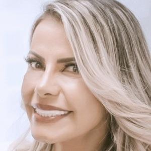 Eliane Negrão Headshot 2 of 10