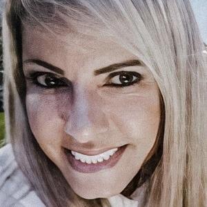 Eliane Negrão Headshot 4 of 10