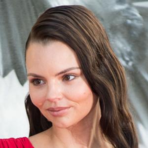 Eline Powell 2 of 2