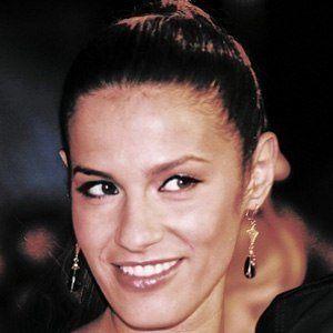 Elisa Tovati 3 of 4