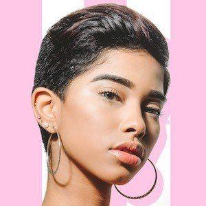 Elisama Mendez 4 of 10