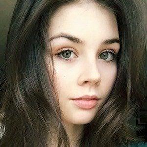 Elise Trouw 5 of 10