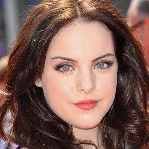 Elizabeth Gillies 3 of 10