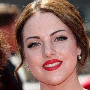 Elizabeth Gillies 4 of 10