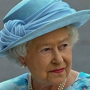 Reina Elizabeth II 4 of 7