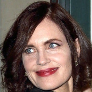 Elizabeth McGovern 6 of 9