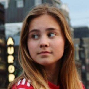 Ella Aafjes 9 of 10