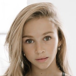 Ella Horan 2 of 6