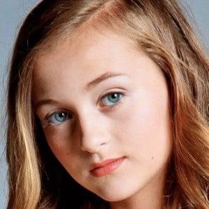 Elle Kent 4 of 10